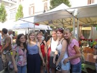 Students from Germany learn Art History and Italian with Artelingua! Outdoor authentic class at the local market.